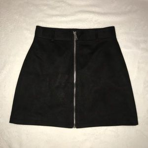 FOREVER 21 BLACK SUEDE SKIRT